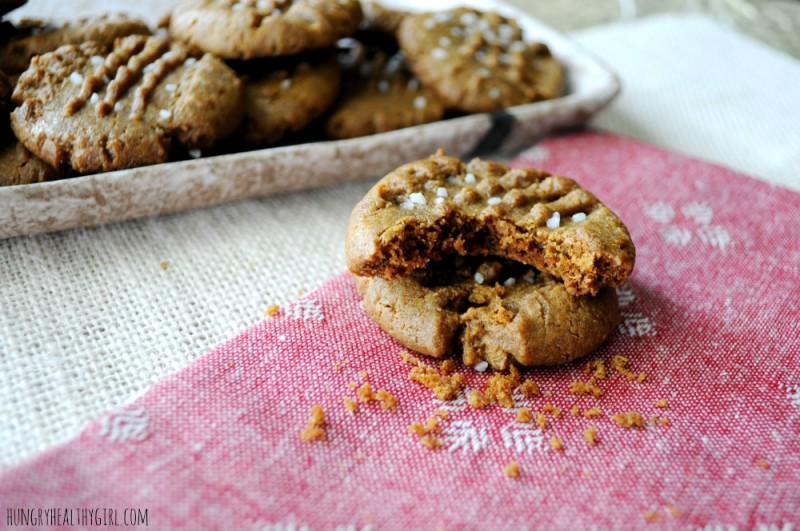 Almond Butter Gingerbread Cookies {gluten-free} | Hungry Healthy Girl