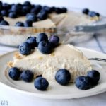 "Raw Vegan ""Cheese"" Cake with cashew cream"