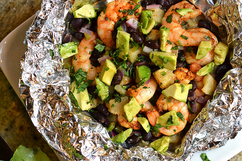shrimp black bean and pineapple foil packets