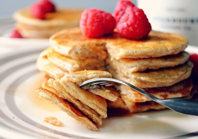 Clean and Simple Oat Pancakes