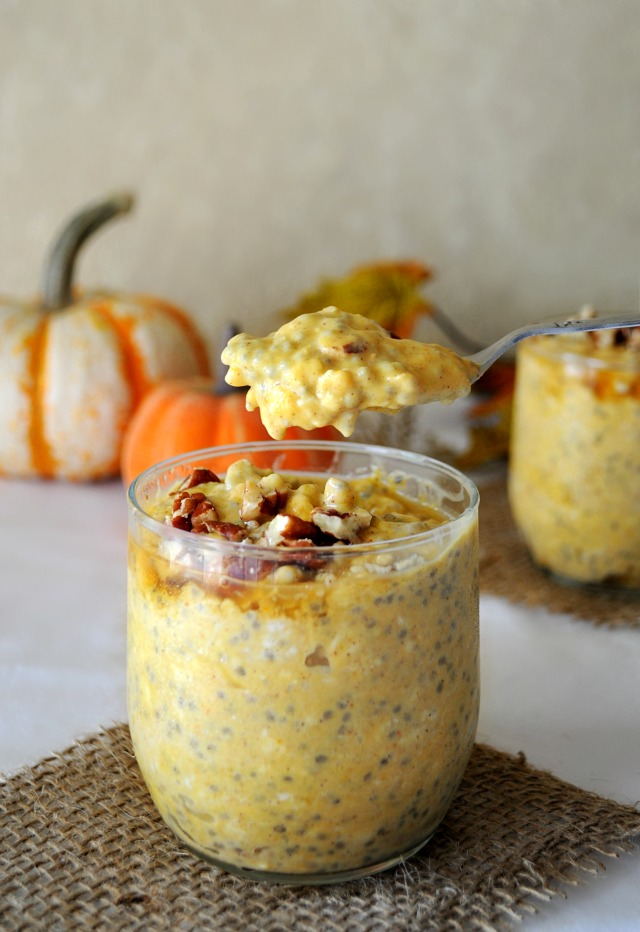 Pumpkin Pie Overnight Oatmeal- the perfect grab-n-go breakfast for the Fall season!