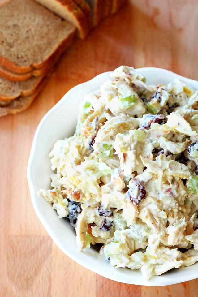 Skinny Greek Yogurt Chicken Salad- This lightened up chicken salad is ...