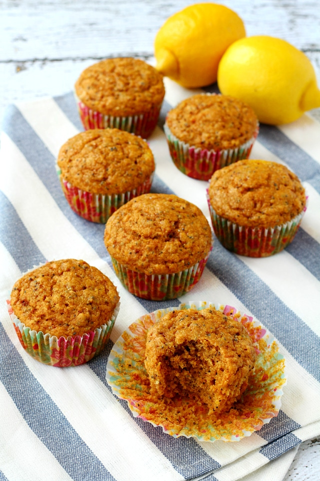 Healthy Lemon Poppy Seed Muffins- delightful lemony flavor topped with ...