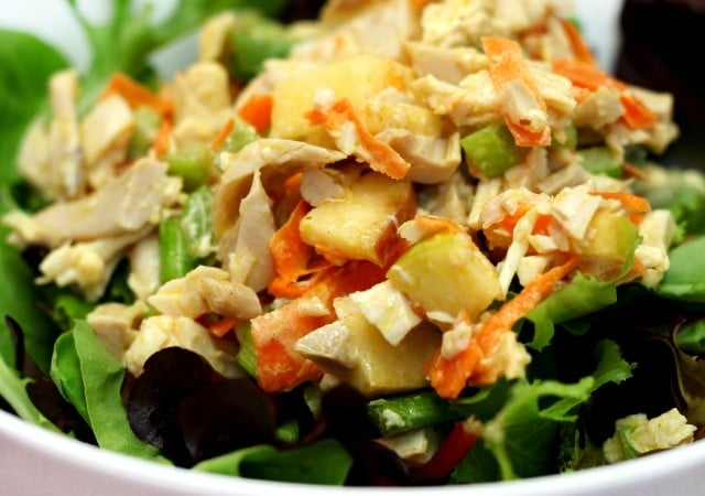 Tangy sweet dressing, crunchy celery and sweet-tart apple, this Honey Mustard Chicken Salad is to die for! Easy, healthy and gluten-free!