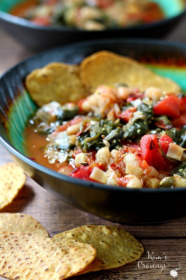 Easy Spinach Tomato Cannellini Bean Soup - Kim's Cravings