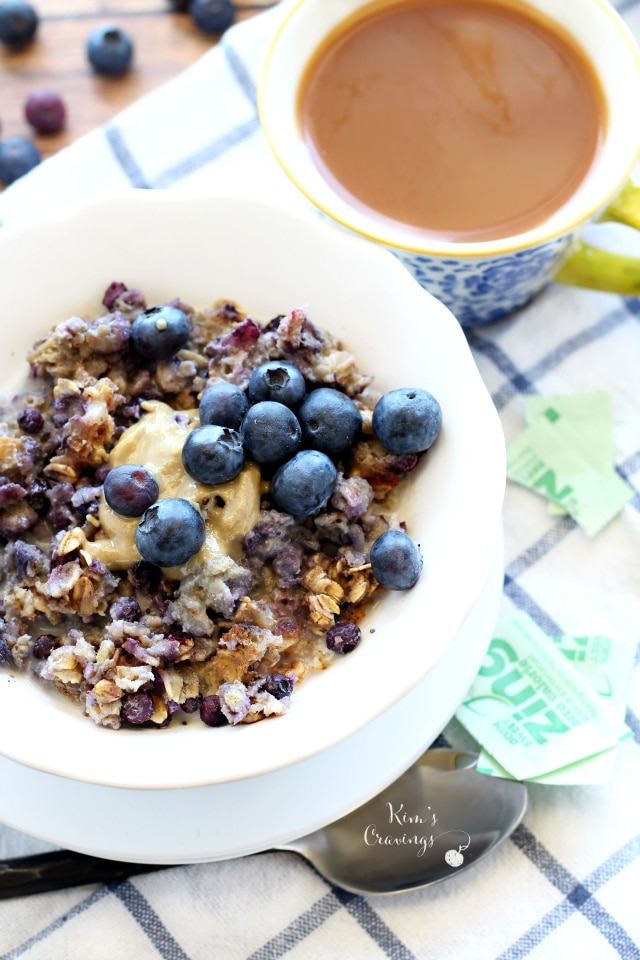 Blueberry Cheesecake Baked Oatmeal is creamy, hearty and mouthwatering ...