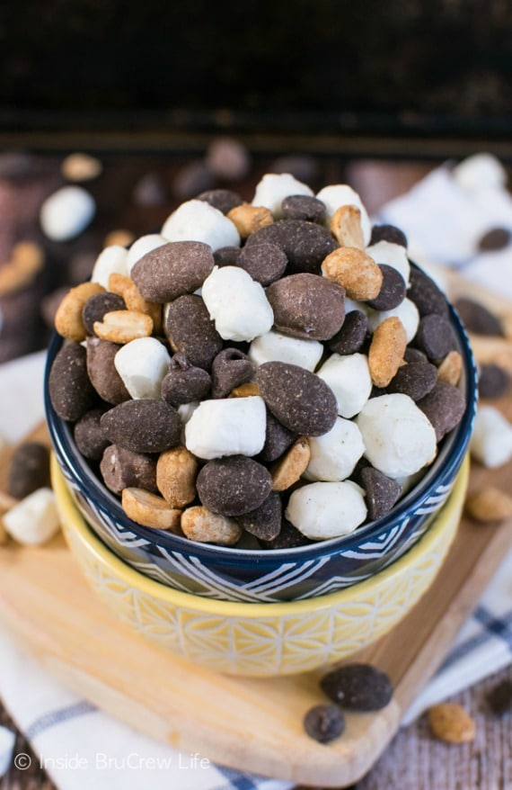 15 Cozy Hot Cocoa Dessert Recipes- Hot Cocoa Trail Mix