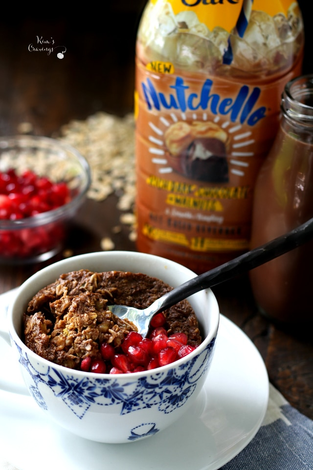 Chocolate Baked Oatmeal in a Mug- the perfect breakfast for those of you who like a warm, hearty, scrumptious morning meal that can be made in a flash with very little mess!