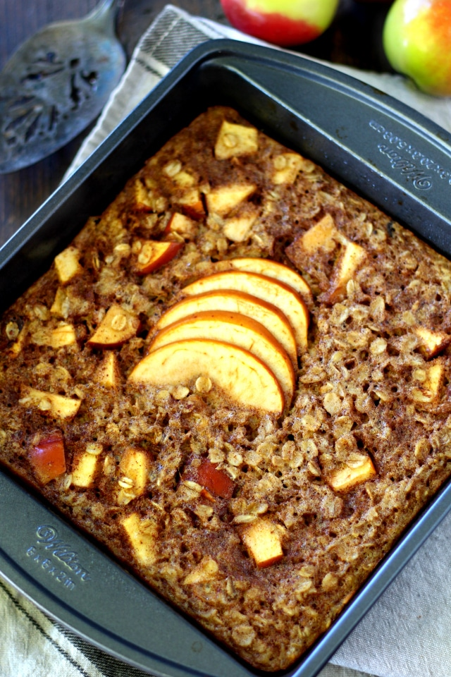 The perfect warm breakfast for cool crisp mornings is this Healthy Apple Cinnamon Baked Oatmeal. It's is out of this world scrumptious, cozy and best of all- so very easy!