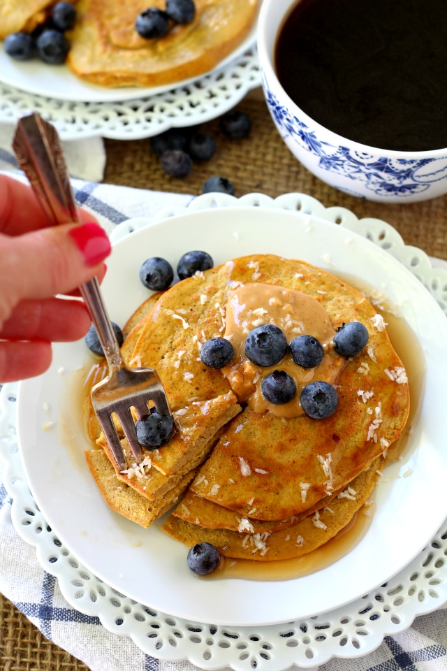 Flourless Pumpkin Protein Pancakes are perfect for autumn, so scrumptious, beyond easy to make and they have a great nutrition profile! (gluten-free & dairy-free)