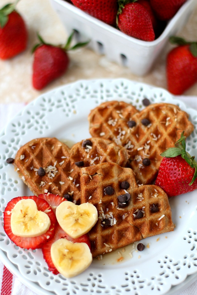 Flourless Strawberry Oatmeal Waffles - fluffy on the inside, crispy on the outside, perfectly sweet and delicious! The ultimate cozy breakfast! (gluten-free & dairy-free)
