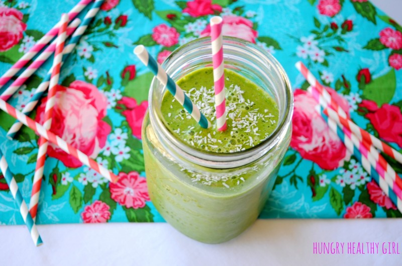 {Spinach Banana Green Smoothie} Delicious and refreshing! | Hungry Healthy Girl