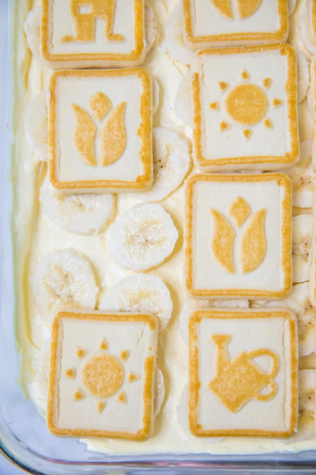 topping banana pudding with chessman cookies