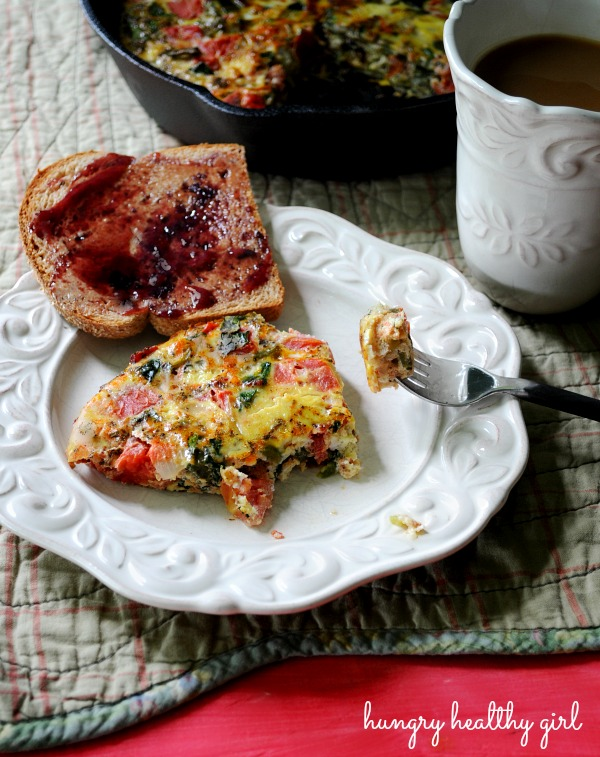 Light Vegetable Frittata with bacon, spinach and tomatoes- super tasty and really simple!