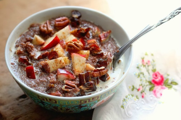 teff porridge with apples, pecans and dates