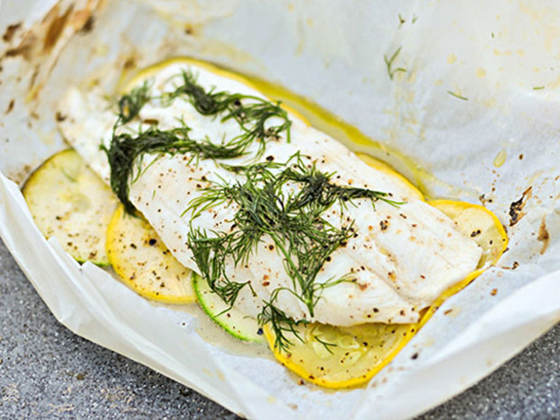 grilled fish in parchment paper