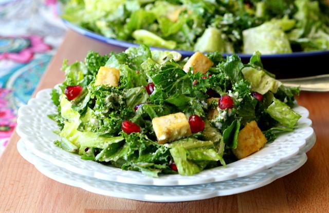 Vegan Caesar Salad with Crispy Baked Tofu Croutons- an incredible salad that's even tastier than the normal Caesar salad!
