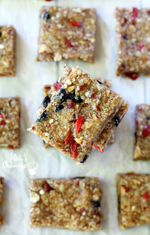 These chewy honey almond oat snack bars make a wholesome replacement for unhealthy store-bought snacks.