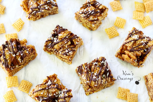 Sticky, sweet, crunchy... Honey Nut Chex Bars are simply irresistible!