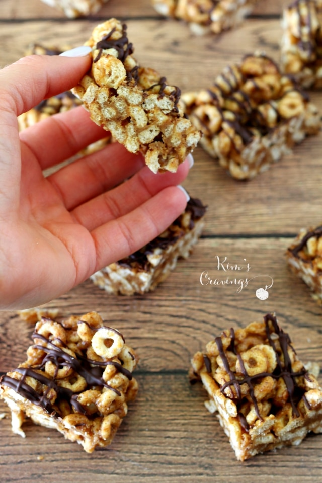 Gluten Free Cheerios Snack Bars are so simple and quick to throw together, with only 3 wholesome ingredients. Even better- there's no baking required. Beware, though, this snack bars are super addicting... betcha can't eat just one!
