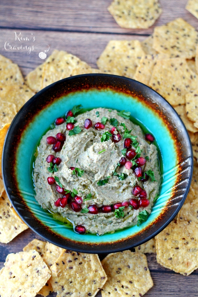Festive black-eyed pea hummus, just in time to welcome in the New Year with a healthy dose of good luck! (vegan, gluten-free, dairy-free)