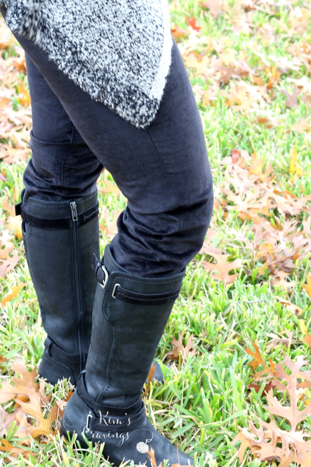 Sonya Velveteen Slim Straight Leg Pant from Kut From The Kloth   size 4   88.00   Keep