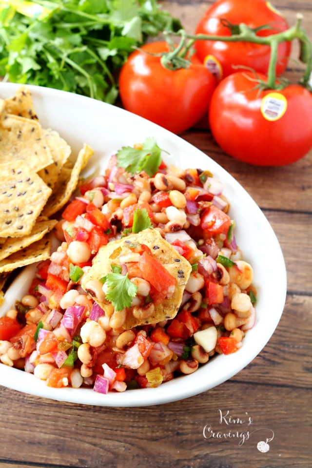 Black-Eyed Pea Salad- a light, fresh, healthy and super tasty appetizer, side dish or topping! (gluten-free and vegan)