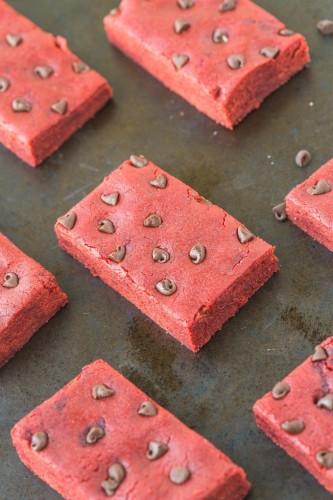 red-velvet-protein-bars-2
