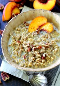 Peaches and Cream Oatmeal- a warming bowl of deliciousness and just what you need to get your day off to a fabulous start. (vegan & gluten free)