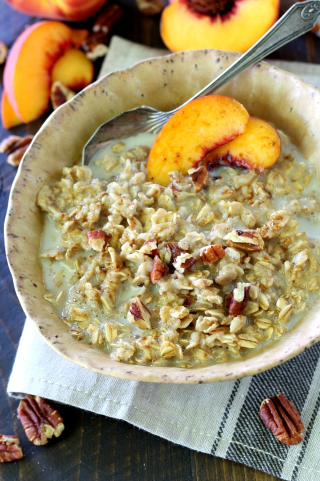 Peaches and Cream Oatmeal- a warming bowl of deliciousness and just what you need to get your day off to a fabulous start. (vegan and gluten free)