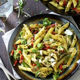 Chicken, Broccoli, Sun-Dried Tomato One Pot Pasta Meal