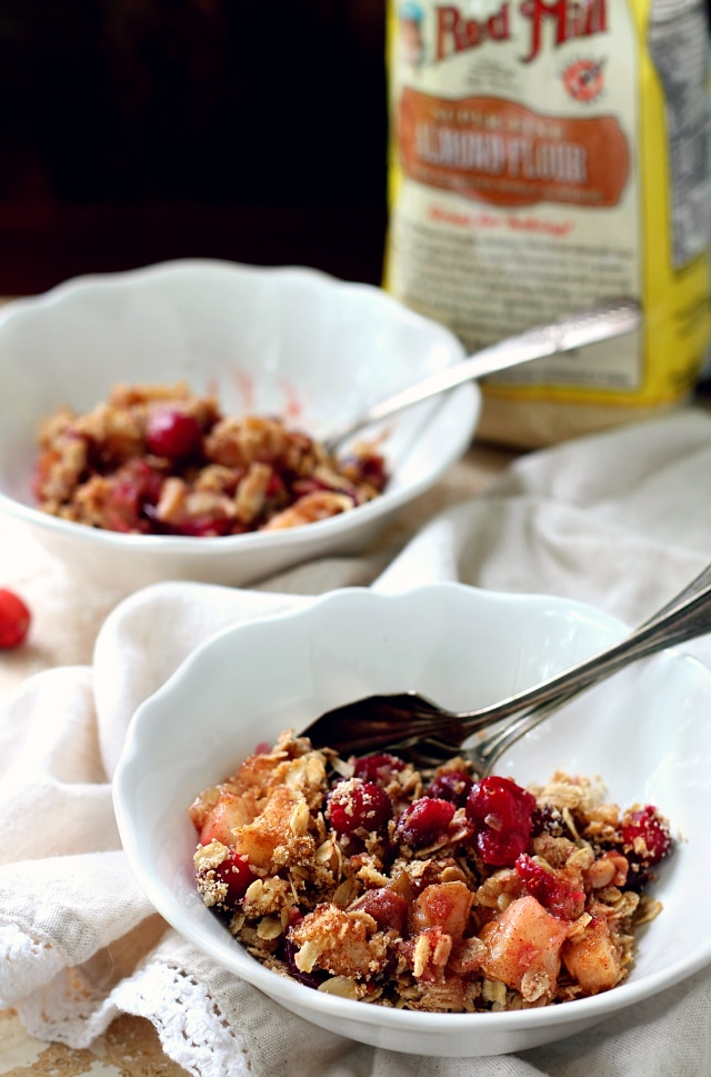 Vegan gluten-free Healthy Cranberry Pear Crisp that has all of the warmth, spice and sweet flavor of traditional versions. Also, it's ridiculously simple to throw together and will make the perfect addition to your holiday dessert spread!