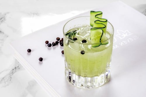 cucumber-rosemary-gin-tonic-03-900x600