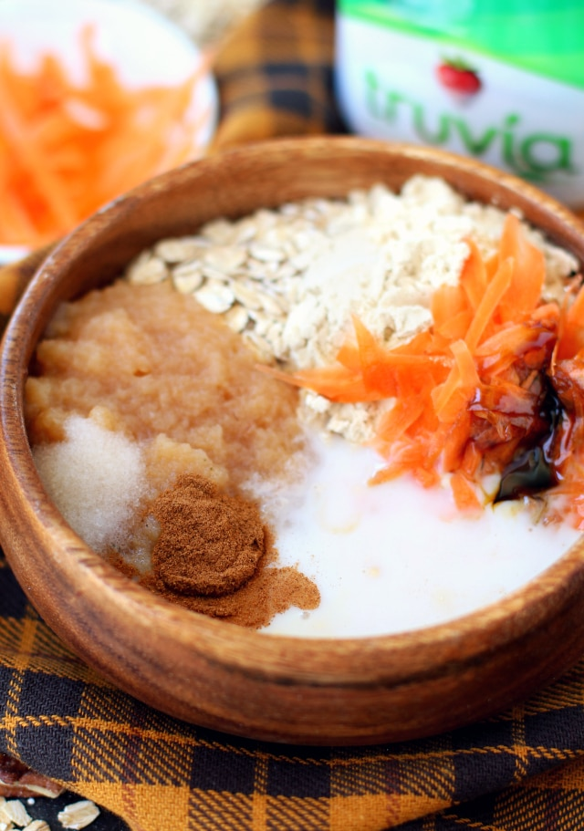 Carrot cake for breakfast? Yes, please! With Carrot Cake Protein Overnight Oatmeal you can enjoy all of that classic carrot cake flavor without any of the guilt!