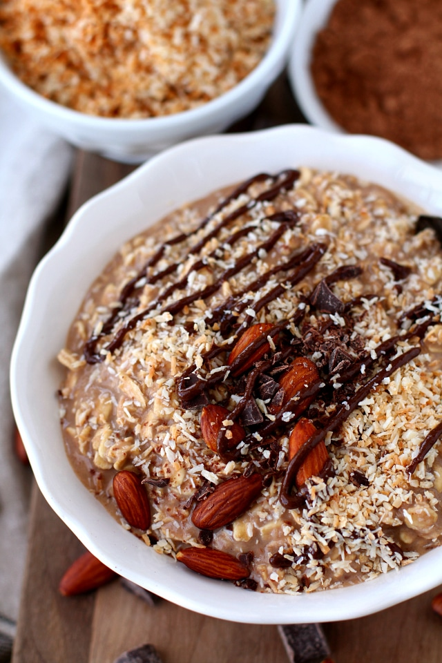 Almond Joy Protein Overnight Oatmeal - only 5 minutes to prep and wake up to a delicious, healthy breakfast that's packed with protein! (vegan + gluten-free)