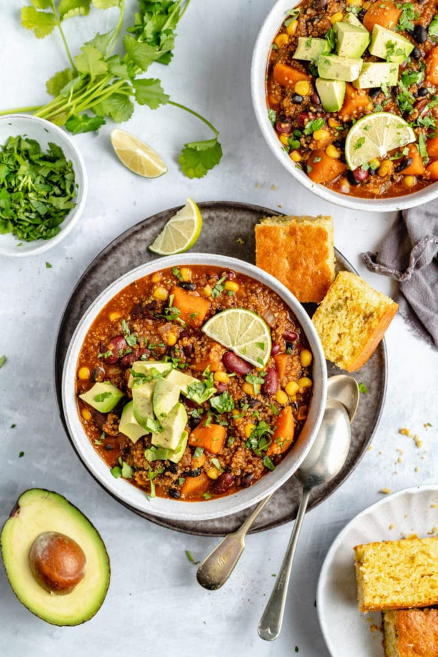 vegetarian chili served with cornbread