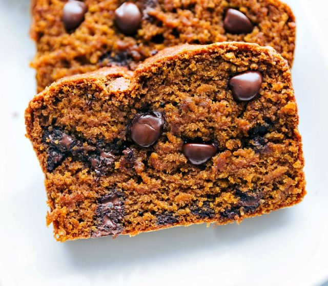 healthy pumpkin bread with chocolate chips