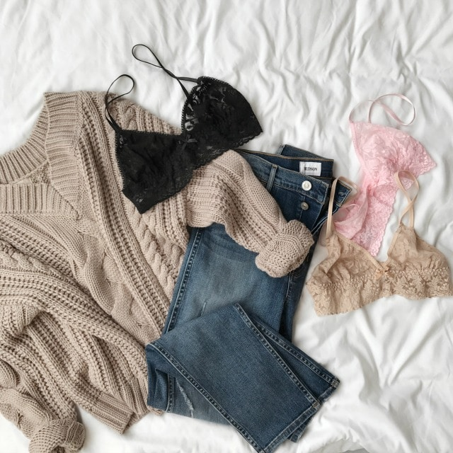 Stitch Fix is launching a new service - Extras! Use Extras to add pieces from our curated collection of intimates to your Fix, including camis, shapewear, tights & socks.