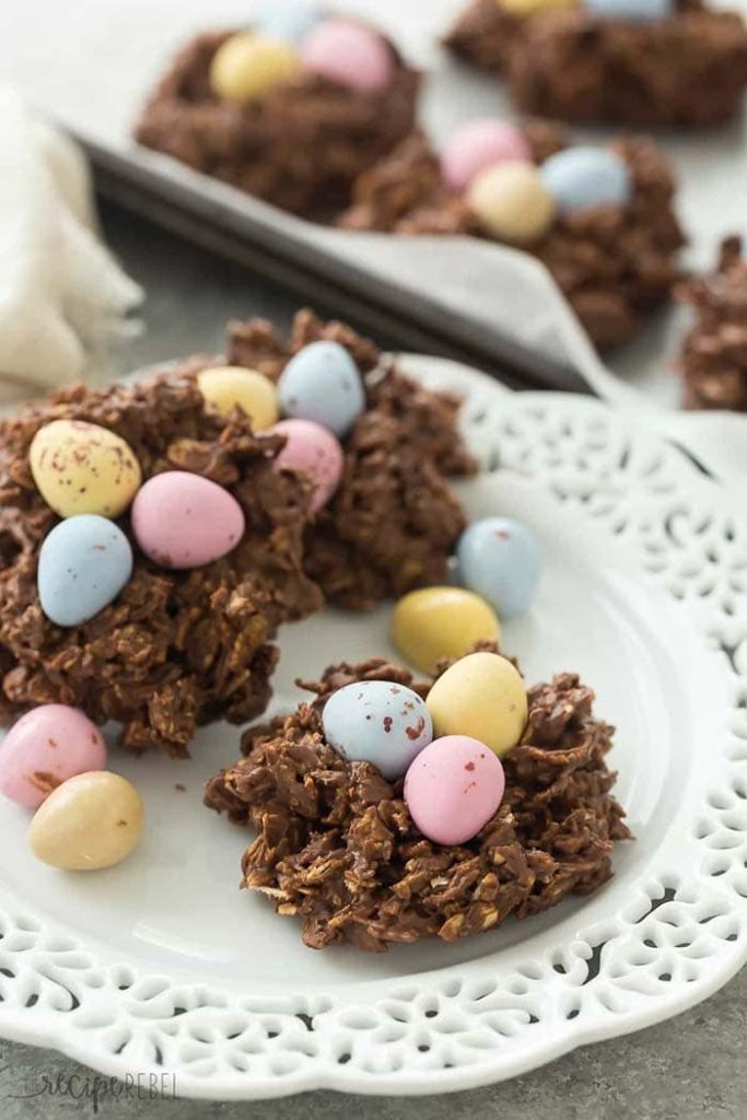 No oven needed. These no bake birds nest cookies are made with oats, cereal, peanut butter and chocolate!