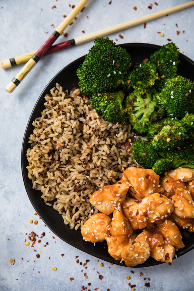 This is one of those recipes you want in your back pocket for days when you need something on the table fast and you'd prefer it to be healthy, satisfying, and pretty if at all possible. Easy 15 Minute Skinny Orange Chicken to the rescue!