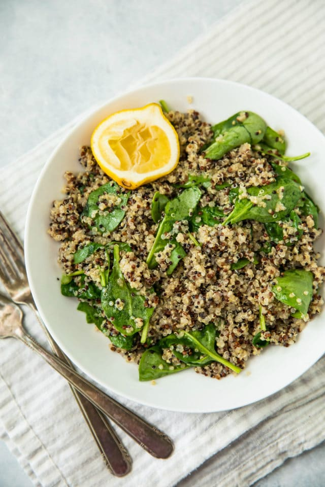 quinoa and spinach side dish to serve with Healthy Pistachio Crusted White Fish