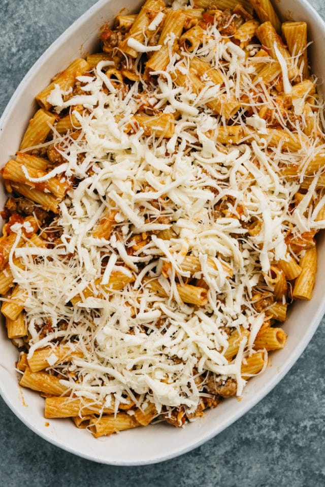 steps to make an easy baked pasta dish