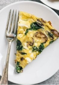 how to make a healthy frittata with spinach, mushroom and feta