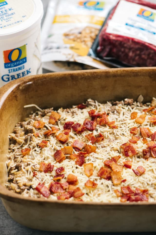 topping cheeseburger casserole with bacon
