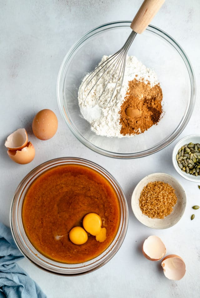 ingredients to make the best pumpkin bread recipe
