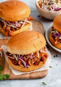 slow cooker pulled pork sandwich with coleslaw