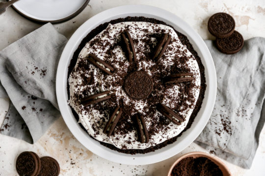 oreo pie topped with Oreo cookie crumbs