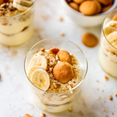 banana pudding cups topped with Nilla wafers